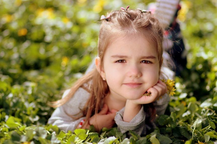 girl-1250679_1280