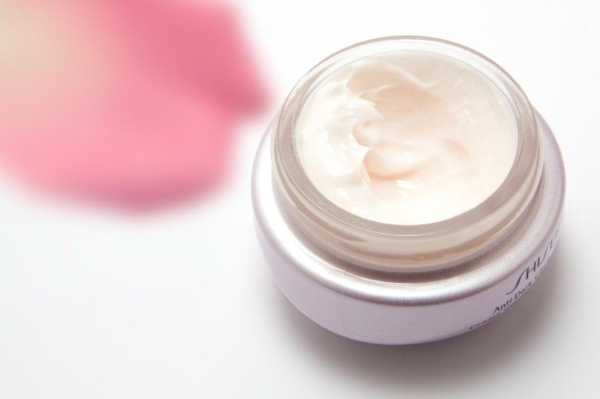 cream-194116_1280