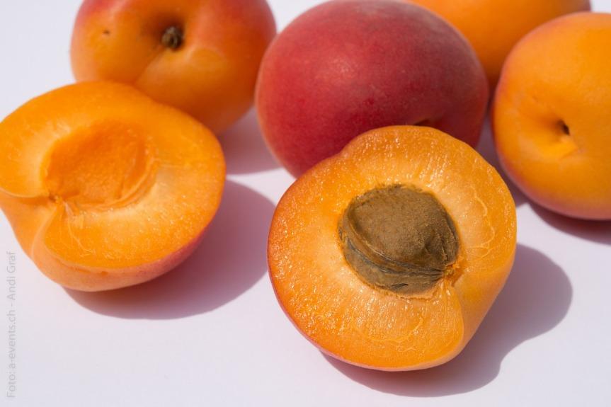 fruits-374750_1280